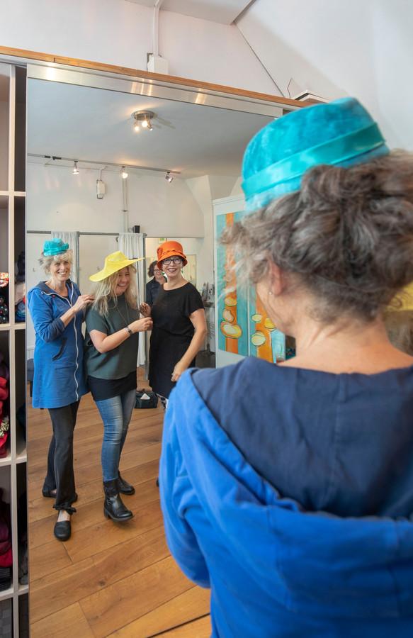 Organisatoren Dag van de Hoed, Marja Schoenmaker, Odylle Verkuijl en Trudi Windou.