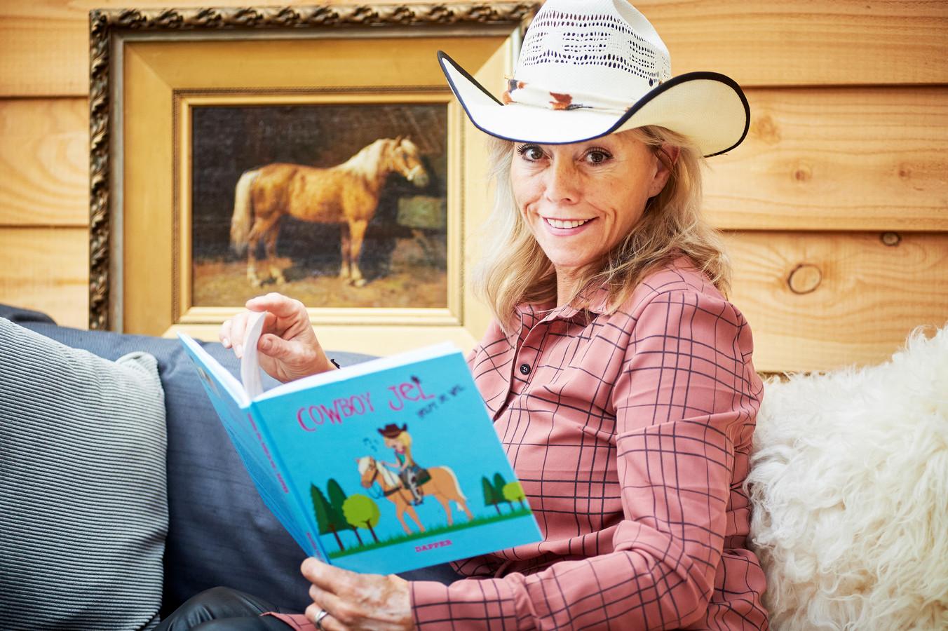 Mariëlle van Berkom uit Uden is coach en heeft oa. een kinderboekje gemaakt onder de naam Cowboy Jel om kinderen te helpen hun onzekerheid te overwinnen.