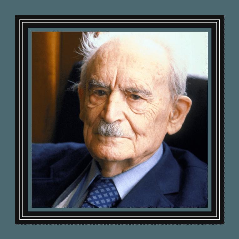 Willem Drees (1886-1988) was van 1948 tot 1958 een populaire PvdA-premier, die bekendstond om zijn eenvoud en zuinigheid. Hij stond aan de wieg van de verzorgingsstaat, inclusief de AOW. Beeld