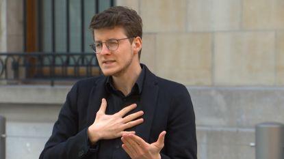 """Vlaamse gebarentolk Crisiscentrum: """"Die cijfers elke dag zien, blijft moeilijk"""""""