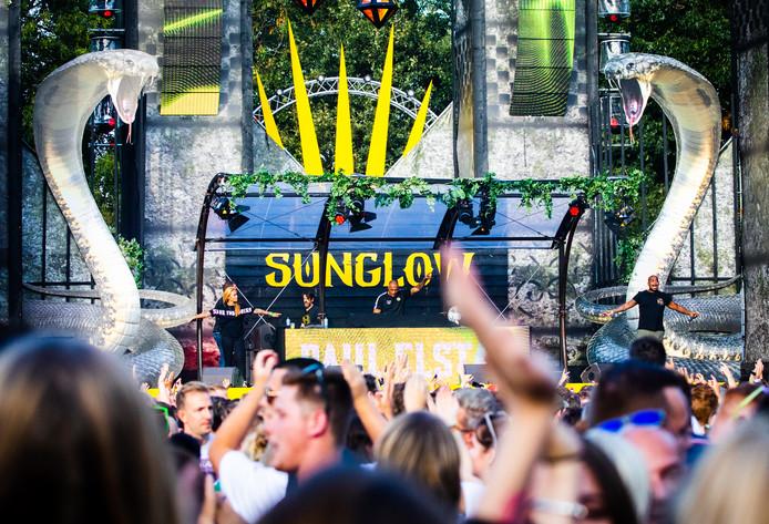 Ook van de podia was veel werk gemaakt bij het Sunglow-festival. F