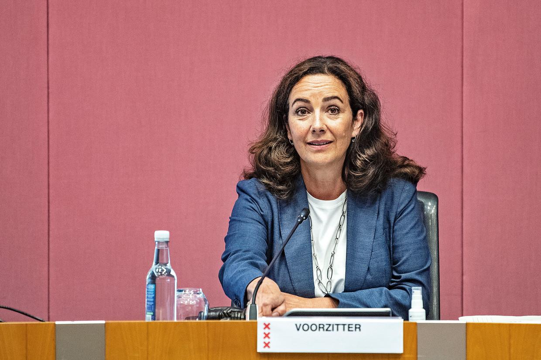 Burgemeester Femke Halsema opent woensdag de vergadering over haar beleid bij de antiracismebetoging op de Dam op 1 juni 2020. Beeld Guus Dubbelman / de Volkskrant