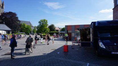 Vrijdagse boerenmarkt verhuist tijdelijk van Heyvaertlaan naar plein achter de centrale markt