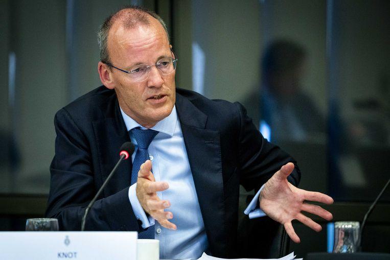 Klaas Knot in gesprek met de vaste Tweede Kamercommissie van Financiën over het beleid van de Europese bank en de gevolgen voor de Nederlandse pensioenen. Beeld ANP