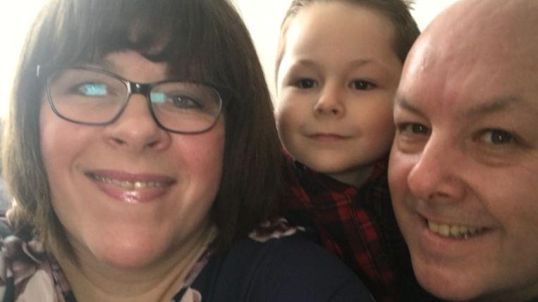 Mama Julianne, papa Chris en zoontje Evan in betere tijden