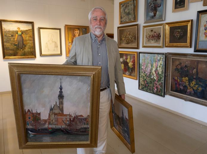 Joost Bakker stelde een expositie samen van schilderijen over Veere. Hij schreef er ook een boek over.