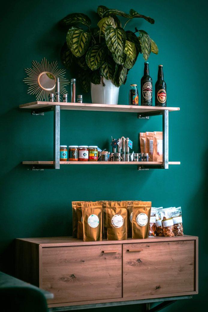 Yaka c'est aussi une épicerie fine où découvrir les meilleurs produits fins africains pour cuisiner ou se faire plaisir