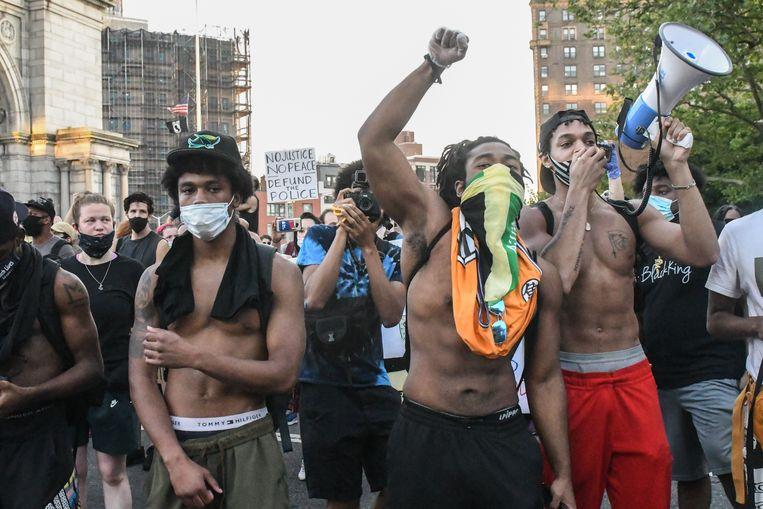 Ook in New York gingen zaterdag veel mensen de straat op.  Beeld Getty Images