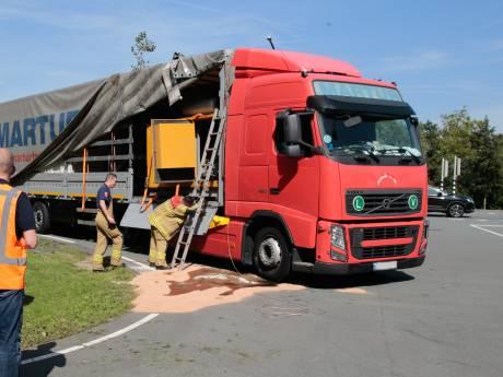 400 liter dieselolie lekt op wegdek in Drechttunnel