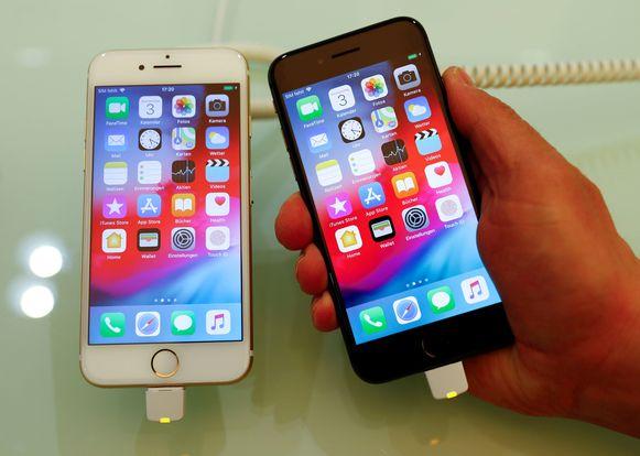 Een iPhone 7 naast een iPhone 8