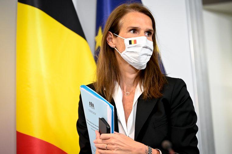De Belgische premier Sophie Wilmès over de opvolging van coronaregels: 'Ze begrijpen het niet, of zijn het gewoon beu.' Beeld BELGA