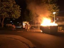 Politie onderzoekt brand van sloopafval in container Aalten