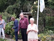 In de tuin van Henk en Els zie je bij elke stap iets anders