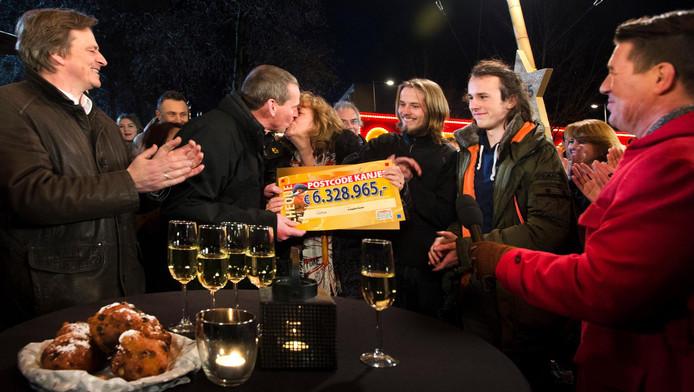 In 2015 won een aantal bewoners van de Steenderenstraat in Zuidoost een groot bedrag