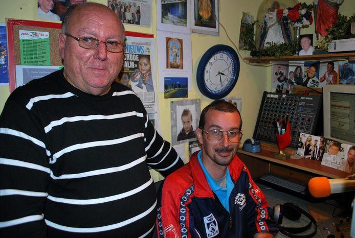 Roger Schreurs en Pascal Brys in de radiostudio.