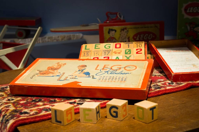 Lego van hout, de oerversie van het bekende kinderspeelgoed.