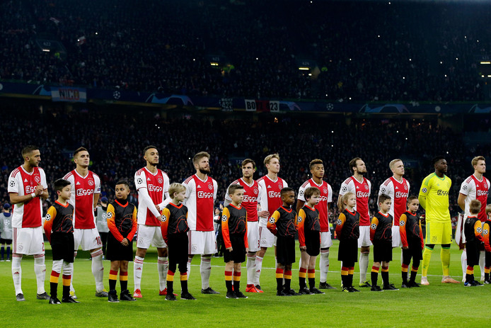 Ajax kan woensdag nog goede zaken doen voor Nederland door te stunten in en tegen Madrid.