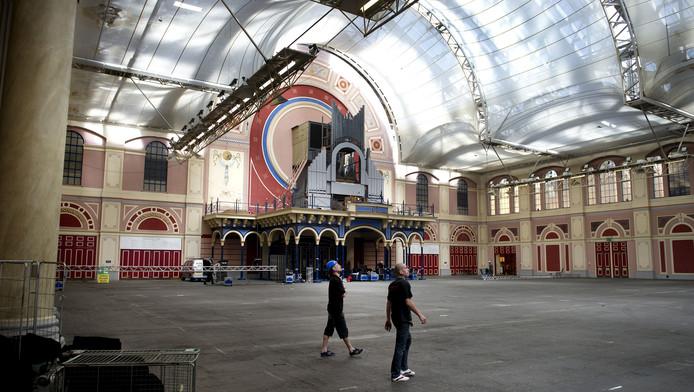 Interieur van het Alexandra Palace in het Noorden van Londen. In het complex wordt het toekomstige Holland Heineken House van de Olympische Spelen 2012 gevestigd.
