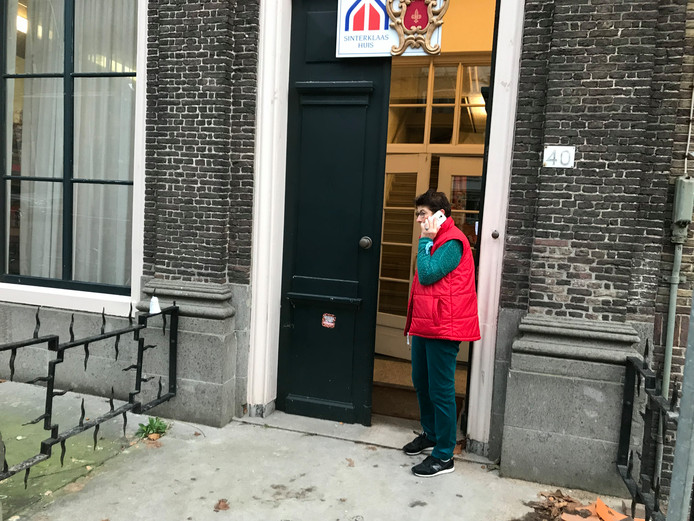 Sinterklaashuis in Dordrecht gesloten door actiegroep.
