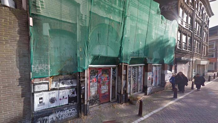 Door het museum in het theater te vestigen, wil Mieke Krijger van het Jordaanmuseum ook het gebouw redden.