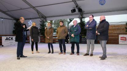 Vijf- en tienduizendste schaatser gehuldigd tijdens nieuwjaarsreceptie