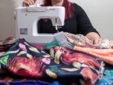 Antoinette naait met stoffen uit de jaren 50 en 60: 'Die stijl heeft niet iedereen'