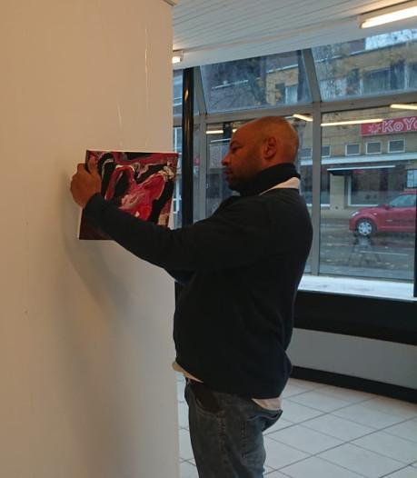 Kunstenaars blazen nieuw leven in leegstaand 'oorgebouw' bij station Oss