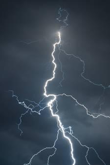 KNMI: code oranje voor Brabant en Zeeland vanwege zware onweersbuien