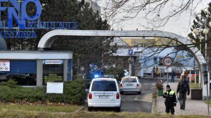 """""""Zes doden bij schietpartij in Tsjechisch ziekenhuis, dader op de vlucht"""""""