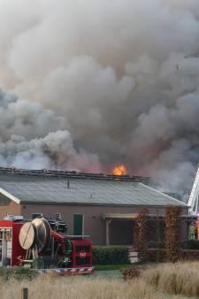 30.000 kippen omgekomen bij grote brand in schuur in Woudenberg