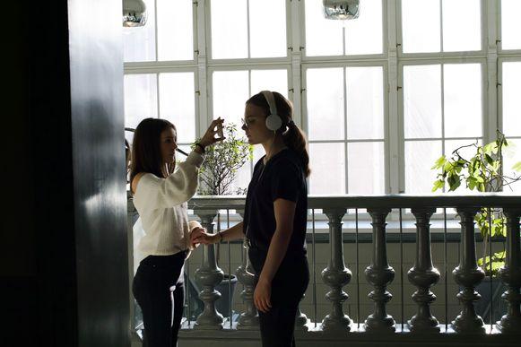 Het kunstwerk 'A missing room' kan je nu zelf thuis beleven dankzij kunstencentrum STUK.