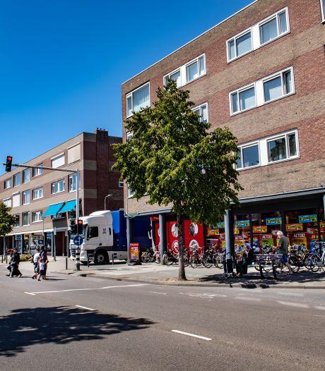 Winkeliers Molenweg in Nijmegen strijden tegen criminaliteit: rolhekken, camera's en liever geen koopavond