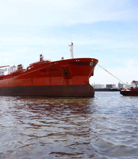 Eigenaar tanker moet veel meer betalen voor olielek in Rotterdam