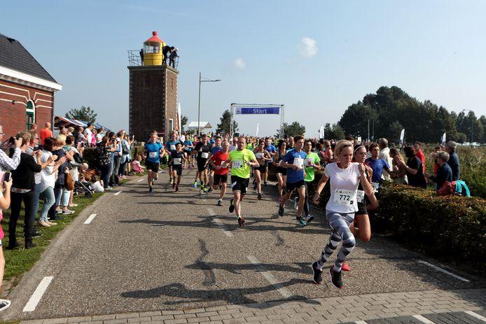 De Vestingloop in Willemstad is in een paar jaar tijd uitgegroeid tot een groot evenement.
