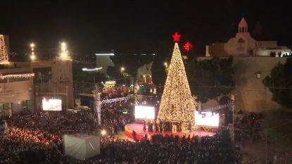 VIDEO. Over de hele wereld lichtjes kerstboom aangestoken.