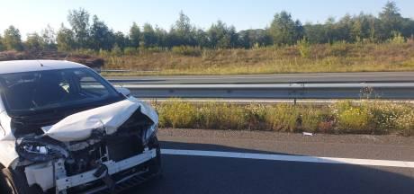 Ongeluk op A12 bij Ede: auto loopt fikse schade op