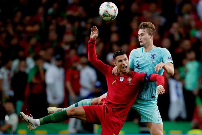 Cristiano Ronaldo en Matthijs de Ligt, eerder deze maand tijdens Portugal-Nederland.