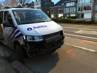 Politie betrokken in aanrijding tijdens rit naar interventie