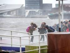 Opnieuw zware windstoten in Amsterdam, kans op hagel en onweer