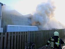 Illegale bewoning migranten ontdekt na brand in Haaren, mogelijk problemen voor ondernemer Vugts