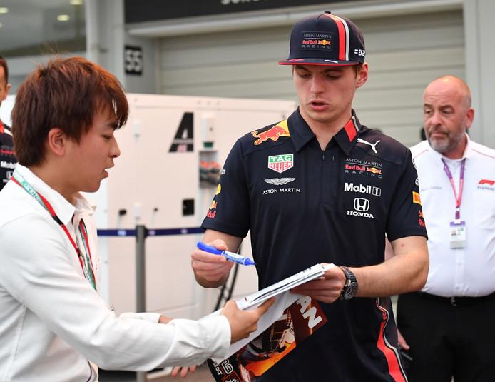 Max Verstappen met een fan
