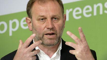 Bart Staes (Groen) schopt Verhofstadt tegen de schenen