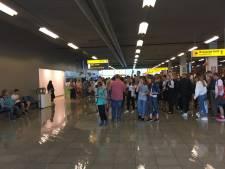Aankomsthal Eindhoven Airport onder water gelopen door defecte afvoerpijp