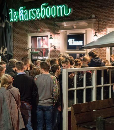 Examenfeestje in Amersfoorts café loopt uit de hand: 'Er zijn mensen langs me heen geslopen'