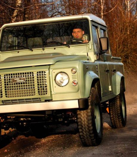 Pools bedrijf bouwt oude Land Rover Defender door voor 60.000 euro