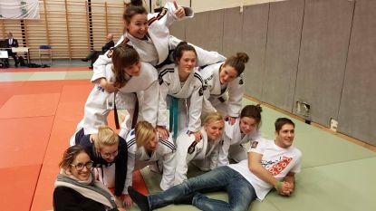 Judoschool Ippon trots op damesploeg