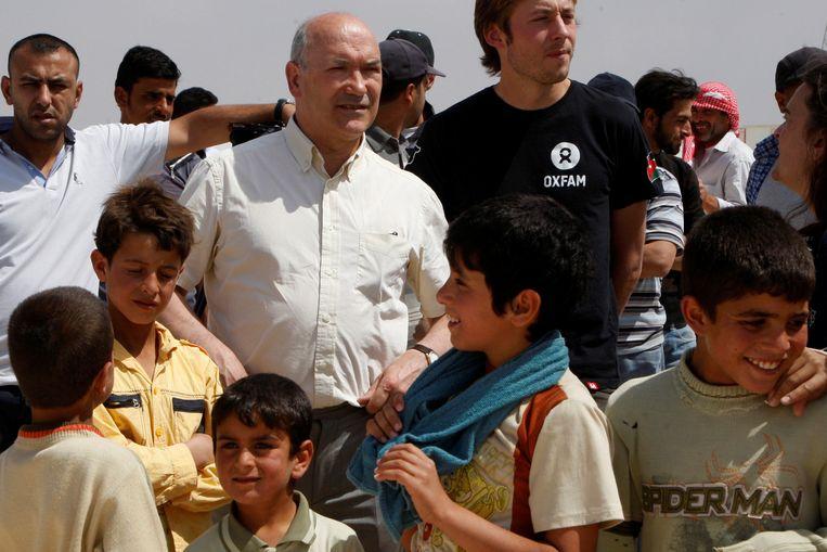 De Britse Oxfam-baas Mark Goldring in een vluchtelingenkamp in Jordanië (Archiefbeeld).