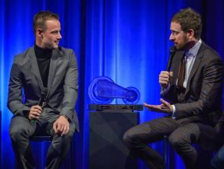 """Sir Bradley Wiggins reikt Kristallen Fiets uit: """"Campenaerts is goeie coureur en mooie mens"""""""