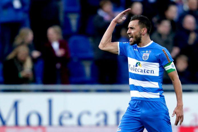 """Bram van Polen verlengt contract bij PEC Zwolle met een jaar. ,,Ik weet dondersgoed dat ik niet de mooiste voetballer ben. Maar ik kan wel iets teweeg brengen. En ik ben weer topfit. Als we nu een duurloop doen, loop ik al die jongens eraf."""""""