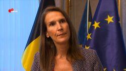 """Wilmès bijt van zich af: """"Wij spelen niet met de gezondheid van de mensen"""""""